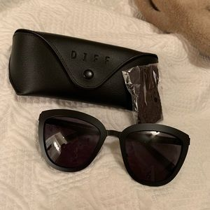 NWOT Diff Lily Polarized Sunglasses